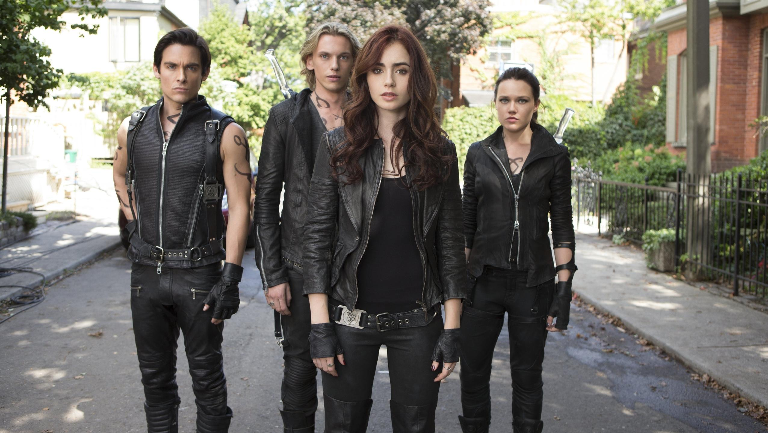 "Wallpaper for ""The Mortal Instruments: City of Bones"" (2013)"