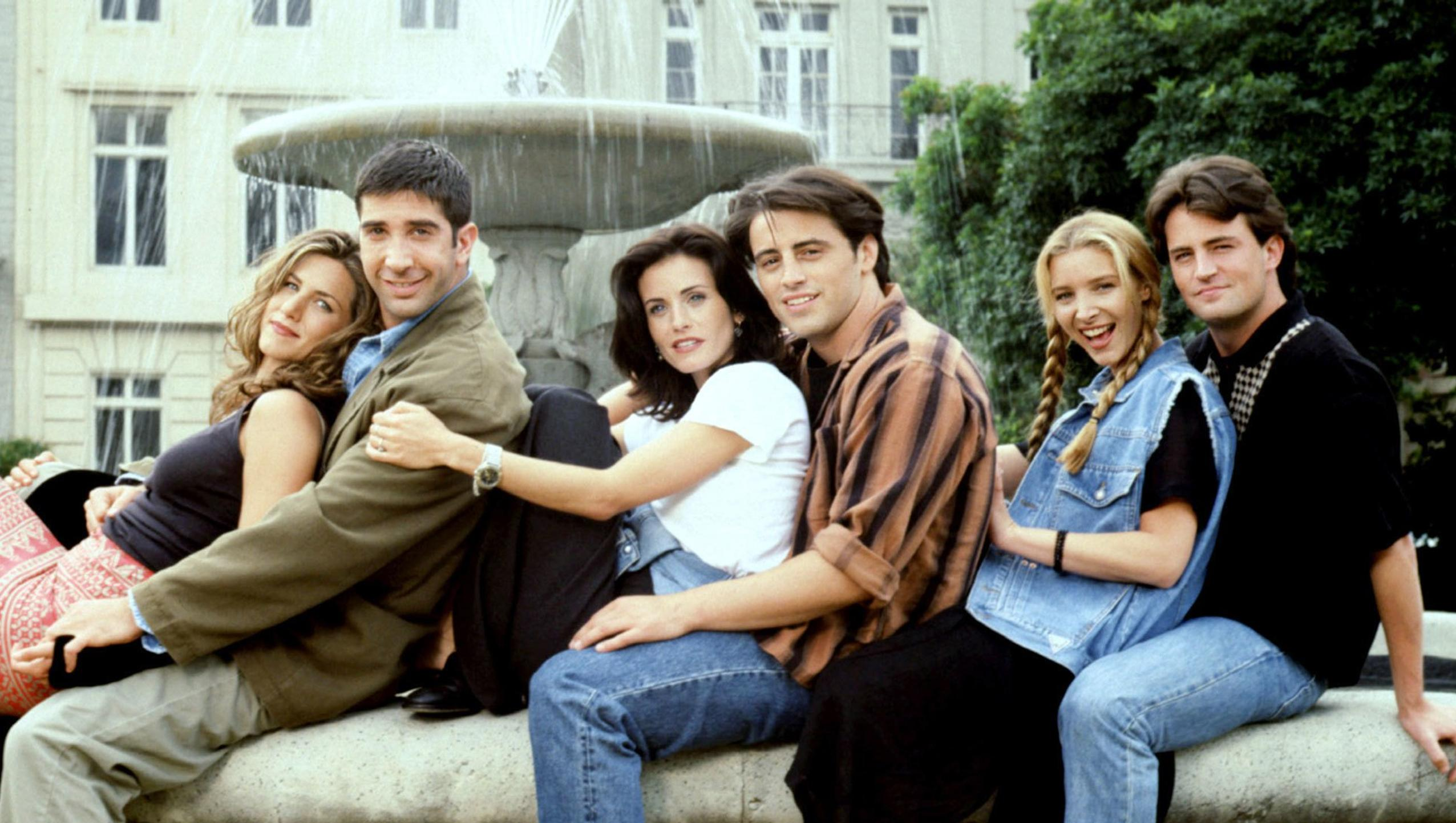 "Wallpaper for ""Friends"" (2004)"