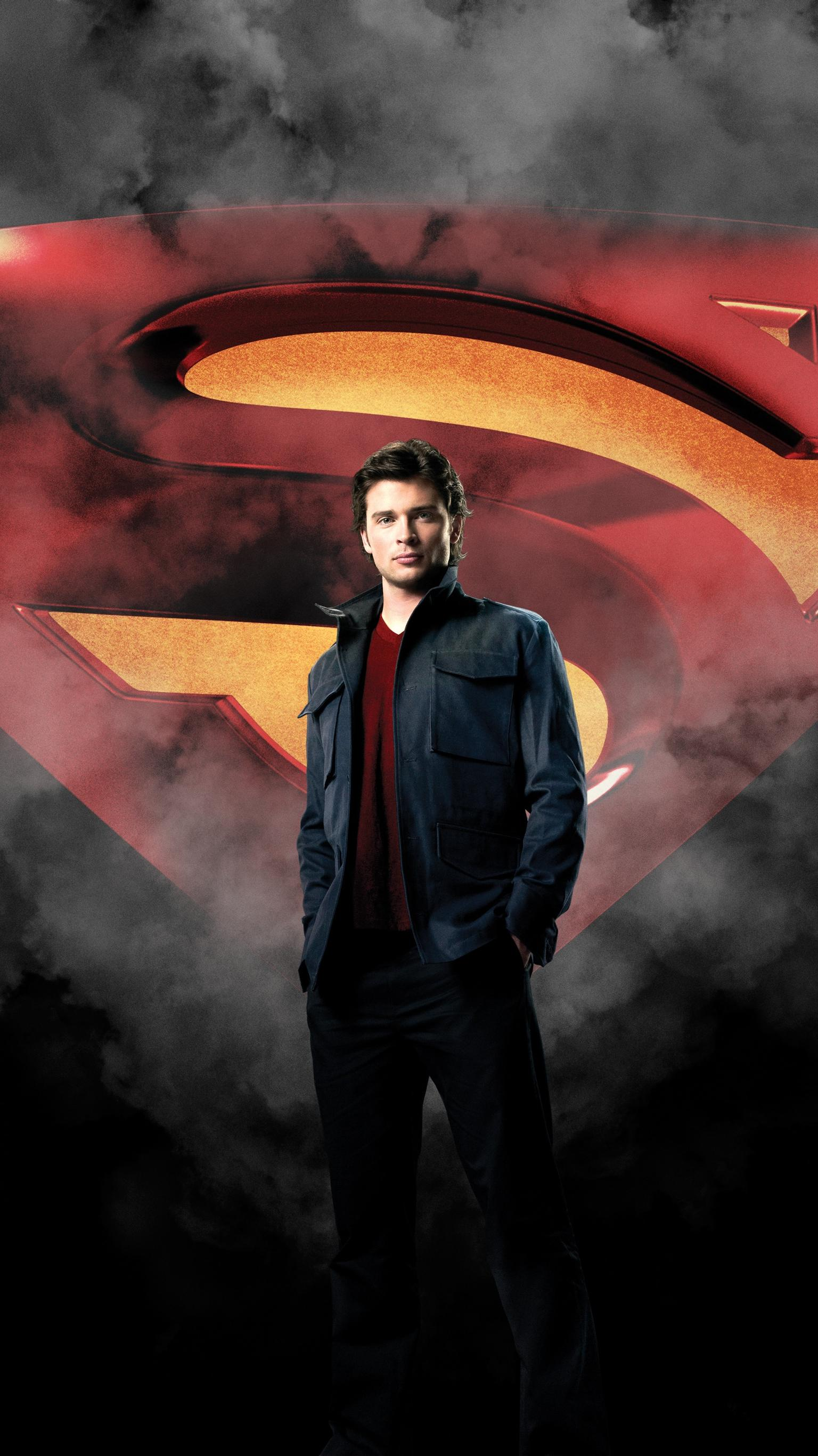"Wallpaper for ""Smallville"" (2011)"